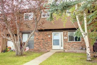 Photo 2: 7 287 Southampton Drive SW in Calgary: Southwood Row/Townhouse for sale : MLS®# A1148069