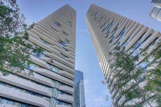 Photo 1: 1401 100 Harbour Street in Toronto: Waterfront Communities C1 Condo for lease (Toronto C01)  : MLS®# C4977762
