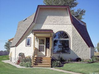 Photo 1: 118 1st Avenue West in Dunblane: Residential for sale : MLS®# SK846305