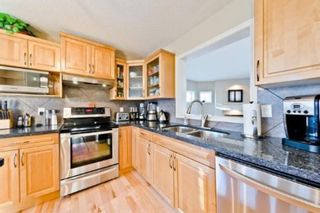 Photo 6: 310 Inglewood Grove SE in Calgary: Inglewood Row/Townhouse for sale : MLS®# A1100172