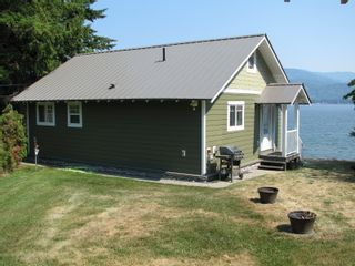 Photo 2: 1217 Dieppe Rd in Sorrento: House for sale : MLS®# 10235707