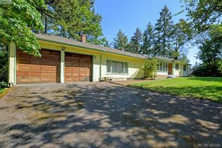 Photo 1: 10837 Deep Cove Rd in NORTH SAANICH: NS Deep Cove House for sale (North Saanich)  : MLS®# 788315