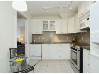 """Photo 7: 302 3088 W 41ST Avenue in Vancouver: Kerrisdale Condo for sale in """"THE LANESBOROUGH"""" (Vancouver West)  : MLS®# V1056854"""