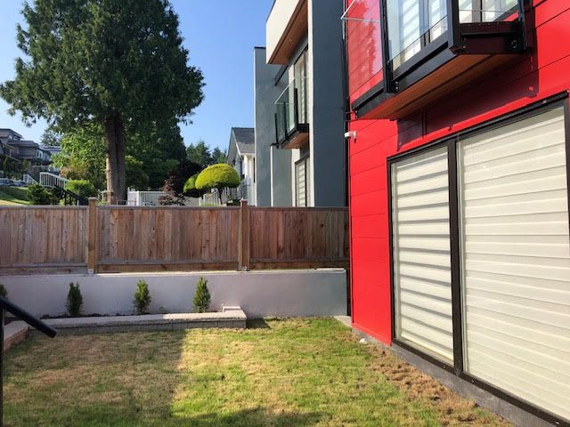 Photo 2: Photos: 14 Ellesmere Road in Burnaby: Capitol Hill House for rent (Burnaby North)