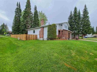 """Photo 3: 2696 CARLISLE Way in Prince George: Hart Highlands House for sale in """"HART HIGHLAND"""" (PG City North (Zone 73))  : MLS®# R2585119"""