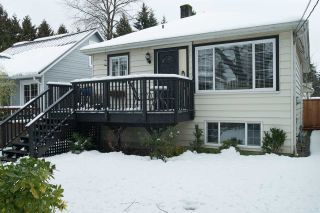 """Photo 2: 1536 MACGOWAN Avenue in North Vancouver: Norgate House for sale in """"Norgate"""" : MLS®# R2136887"""