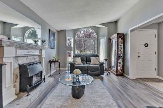 """Photo 4: 39 2345 CRANLEY Drive in Surrey: King George Corridor Manufactured Home for sale in """"LA MESA"""" (South Surrey White Rock)  : MLS®# R2601872"""