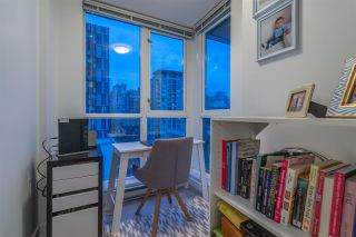 "Photo 13: 1004 1155 SEYMOUR Street in Vancouver: Downtown VW Condo for sale in ""BRAVA"" (Vancouver West)  : MLS®# R2327629"