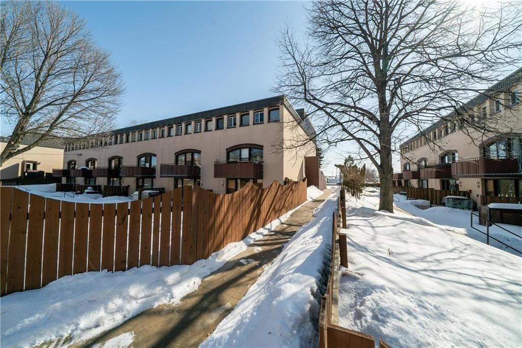 Welcome to Towne West Gardens! 11-3499 Portage Avenue. Lovely quiet complex with concrete construction.