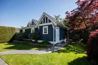 Photo 3: 2396 W 13TH Avenue in Vancouver: Kitsilano House for sale (Vancouver West)  : MLS®# R2062345