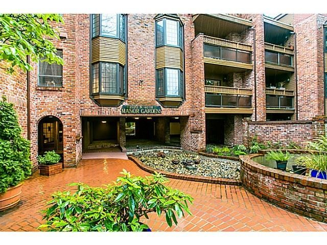 """Main Photo: PH5 2320 W 40TH Avenue in Vancouver: Kerrisdale Condo for sale in """"Manor Gardens"""" (Vancouver West)  : MLS®# R2037350"""