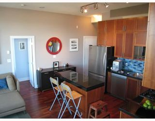 """Photo 2: 607 2635 PRINCE EDWARD Street in Vancouver: Mount Pleasant VE Condo for sale in """"SOMA LOFTS"""" (Vancouver East)  : MLS®# V686340"""