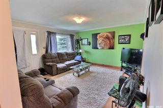 Photo 3: 655 4th Street East in Prince Albert: East Flat Residential for sale : MLS®# SK872073