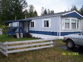 Photo 1: 60-1901 Ryan Road in Comox: Manufactured for sale : MLS®# 204365
