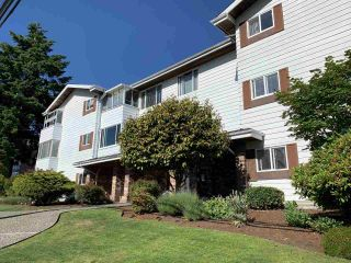 """Photo 3: 302 1390 MARTIN Street: White Rock Condo for sale in """"Kent Heritage"""" (South Surrey White Rock)  : MLS®# R2590811"""