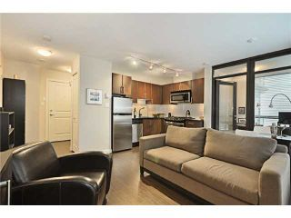 "Photo 3: 809 1068 W BROADWAY in Vancouver: Fairview VW Condo for sale in ""THE ZONE"" (Vancouver West)  : MLS®# V865216"