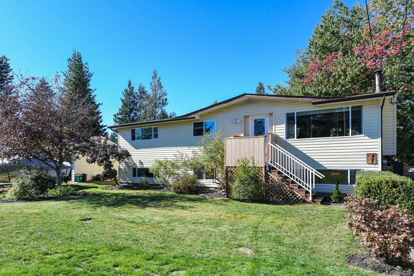 Main Photo: 381 Denman St in : CV Comox (Town of) House for sale (Comox Valley)  : MLS®# 858909