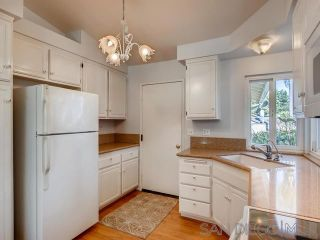 Photo 6: VISTA House for sale : 2 bedrooms : 1241 Longfellow Rd
