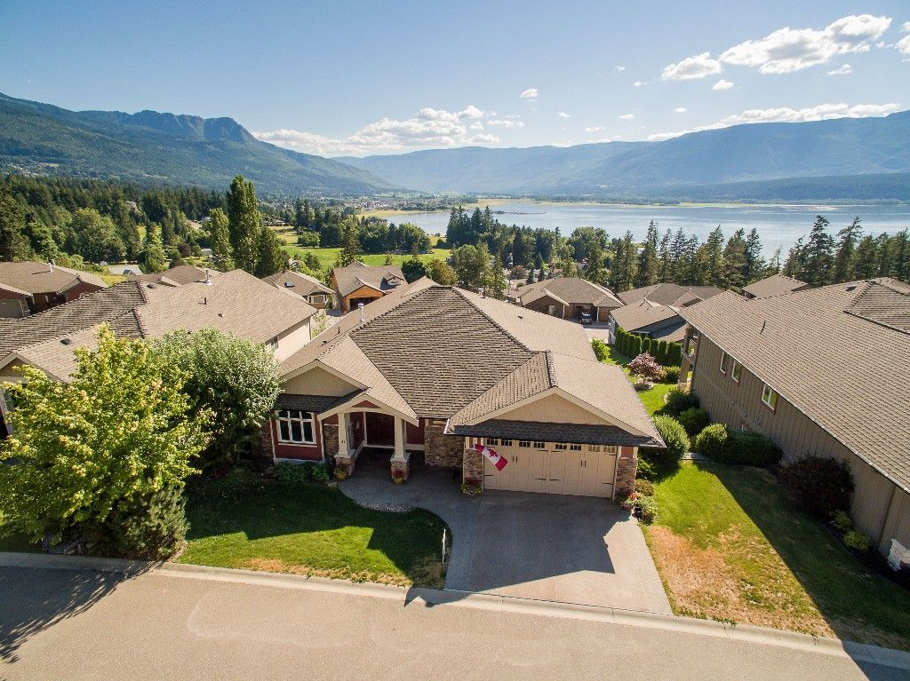 Main Photo: 31 2990 Northeast 20 Street in Salmon Arm: The Uplands House for sale (NE Salmon Arm)  : MLS®# 10102161