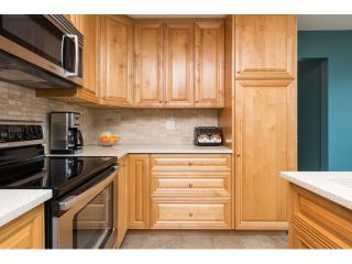 "Photo 8: 15552 VISTA Drive: White Rock House for sale in ""VISTA HILLS"" (South Surrey White Rock)  : MLS®# R2062767"