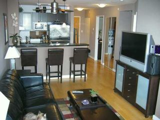 """Photo 3: 303 124 W 1ST ST in North Vancouver: Lower Lonsdale Condo for sale in """"THE 'Q'"""" : MLS®# V586942"""