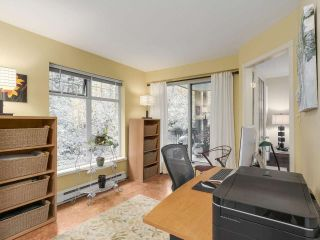 """Photo 10: 206 1144 STRATHAVEN Drive in North Vancouver: Northlands Condo for sale in """"Strathaven"""" : MLS®# R2217915"""