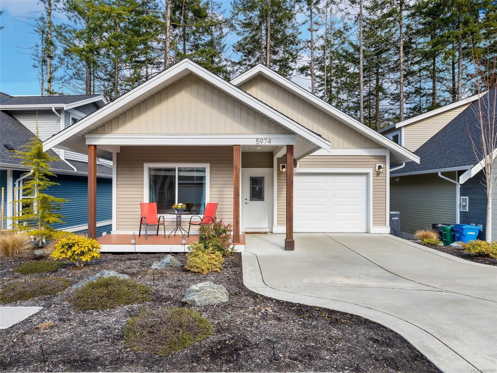 Main Photo: 5974 Stillwater Way in : Na North Nanaimo House for sale (Nanaimo)  : MLS®# 867581