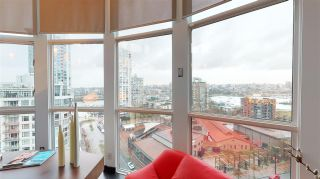 "Photo 6: 1503 283 DAVIE Street in Vancouver: Yaletown Condo for sale in ""Pacific Plaza"" (Vancouver West)  : MLS®# R2542076"