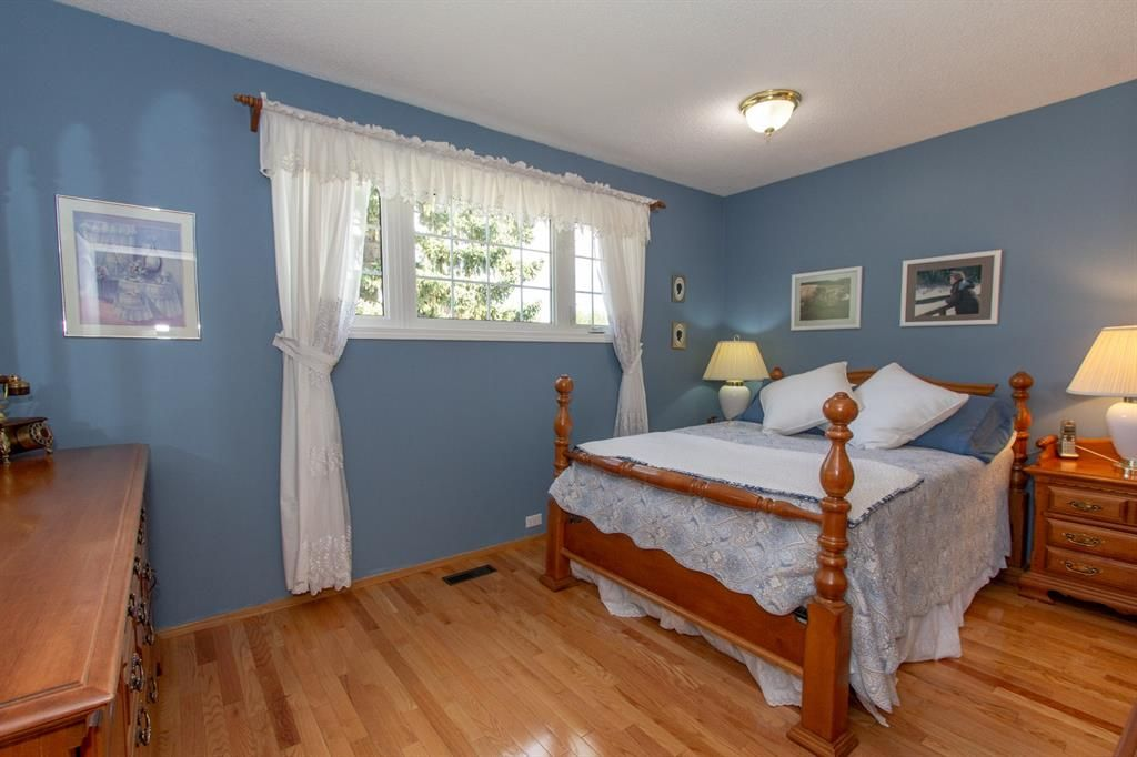 Photo 15: Photos: 1039 Hunterdale Place NW in Calgary: Huntington Hills Detached for sale : MLS®# A1144126