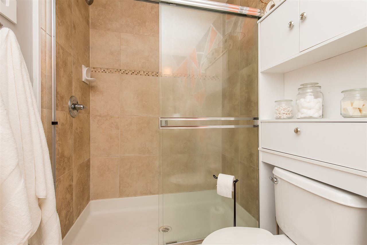 """Photo 19: Photos: 309 33318 E BOURQUIN Crescent in Abbotsford: Central Abbotsford Condo for sale in """"NATURES GATE"""" : MLS®# R2530844"""