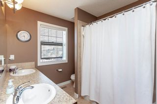 Photo 18: 334D Silvergrove Place NW in Calgary: Silver Springs Detached for sale : MLS®# A1083137