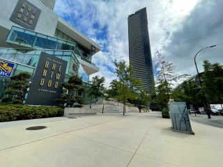 """Photo 2: 5303 1955 ALPHA Way in Burnaby: Brentwood Park Condo for sale in """"Amazing Brentwood Tower 2"""" (Burnaby North)  : MLS®# R2590285"""