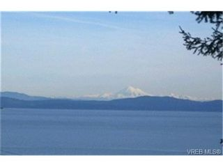 Photo 1: 5063 Wesley Rd in VICTORIA: SE Cordova Bay House for sale (Saanich East)  : MLS®# 417433