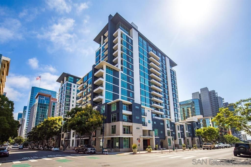 Main Photo: DOWNTOWN Condo for sale : 2 bedrooms : 425 W Beech St #1754 in San Diego