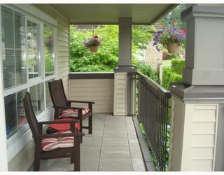 """Photo 2: 1111 ROSS Road in North_Vancouver: Lynn Valley Townhouse for sale in """"HIGHGATE"""" (North Vancouver)  : MLS®# V775483"""