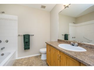 """Photo 12: 404 2335 WHYTE Avenue in Port Coquitlam: Central Pt Coquitlam Condo for sale in """"CHANELLOR'S COURT"""" : MLS®# R2141689"""