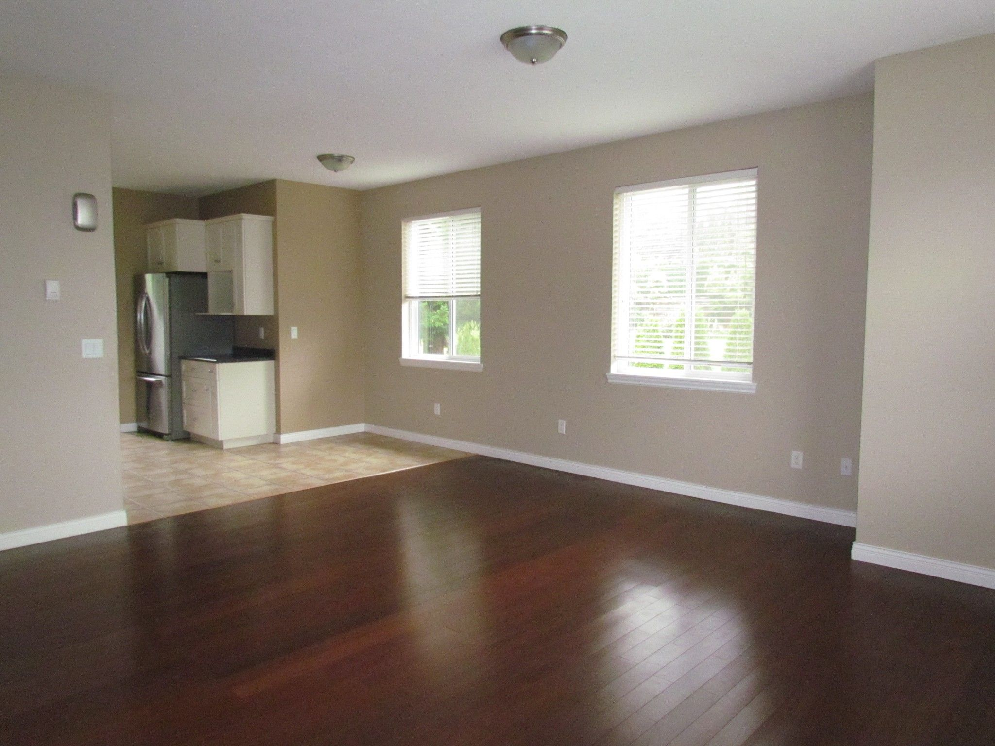 Photo 10: Photos: Suite 35158 Rockwell Dr. in Abbotsford: Abbotsford East Condo for rent