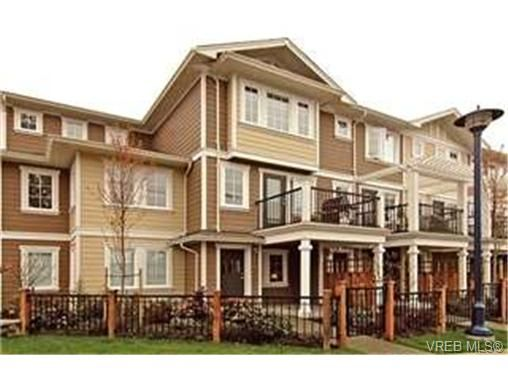 Main Photo:  in VICTORIA: La Langford Proper Row/Townhouse for sale (Langford)  : MLS®# 425893