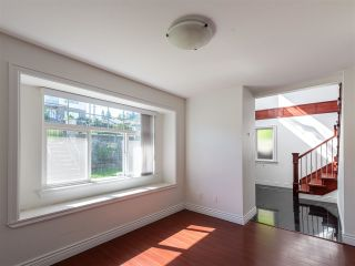 Photo 5: 10 WARWICK Avenue in Burnaby: Capitol Hill BN House for sale (Burnaby North)  : MLS®# R2603486