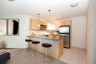 "Photo 15: 706 1199 SEYMOUR Street in Vancouver: Downtown VW Condo for sale in ""BRAVA"" (Vancouver West)  : MLS®# R2531853"