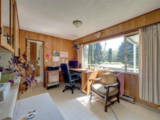 Photo 16: 5761 MCLAUGHAN Road in Sechelt: Sechelt District House for sale (Sunshine Coast)  : MLS®# R2479077