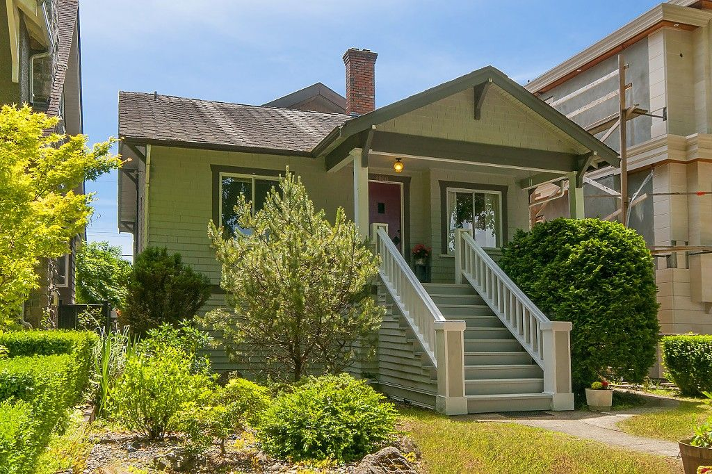 Main Photo: 4028 W 19TH Avenue in Vancouver: Dunbar House for sale (Vancouver West)  : MLS®# R2175110