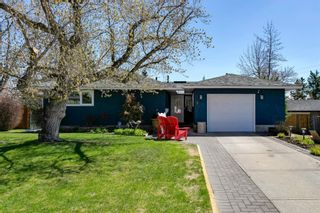 Main Photo: 8 Stanley Crescent SW in Calgary: Elboya Detached for sale : MLS®# A1103761