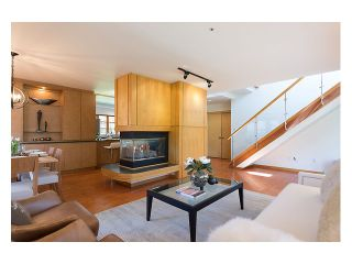 Photo 2: 4033 W 40th Avenue in Vancouver: Dunbar House for sale (Vancouver West)  : MLS®# V1005183