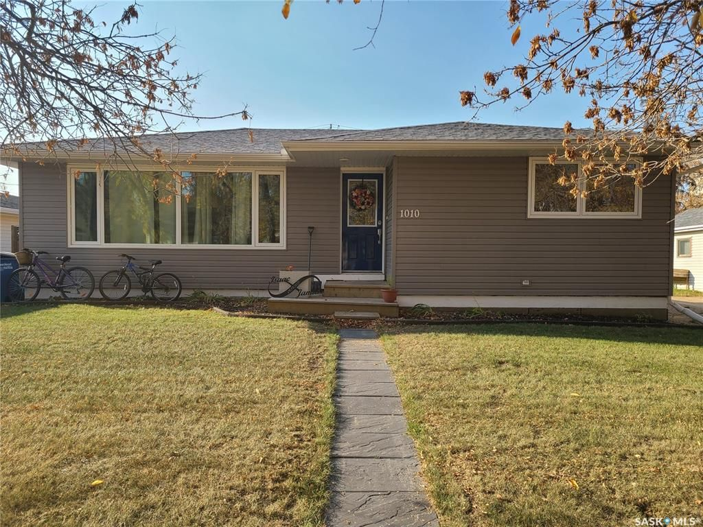 Main Photo: 1010 105th Avenue in Tisdale: Residential for sale : MLS®# SK850145