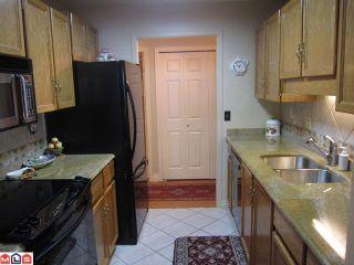 Photo 6: 207 1460 MARTIN Street: White Rock Condo for sale (South Surrey White Rock)  : MLS®# F1100155