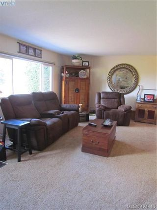 Photo 6: 28 70 Cooper Rd in VICTORIA: VR Glentana Manufactured Home for sale (View Royal)  : MLS®# 838209