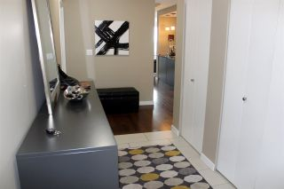 """Photo 5: 1806 39 SIXTH Street in New Westminster: Downtown NW Condo for sale in """"QUANTUM"""" : MLS®# R2408457"""