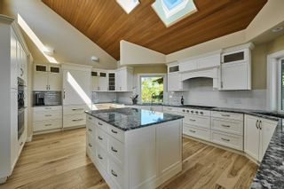 Photo 8: 10977 Greenpark Dr in : NS Swartz Bay House for sale (North Saanich)  : MLS®# 883105