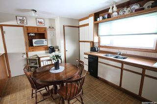 Photo 3: 327 13th Avenue Northeast in Swift Current: North East Residential for sale : MLS®# SK758505